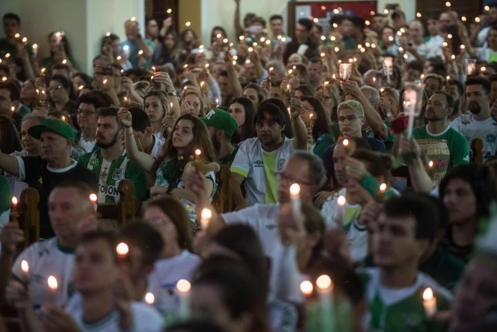 Homenaje a Chapecoense, a 1 año de la tragedia