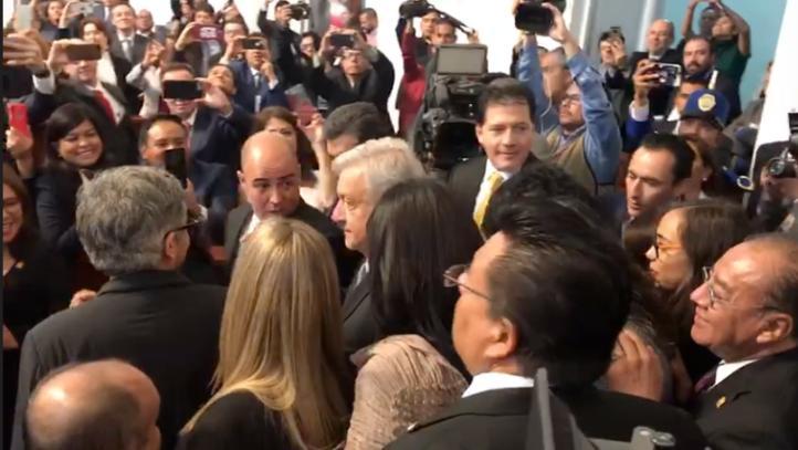 Así fue la llegada de AMLO al Congreso de la CDMX