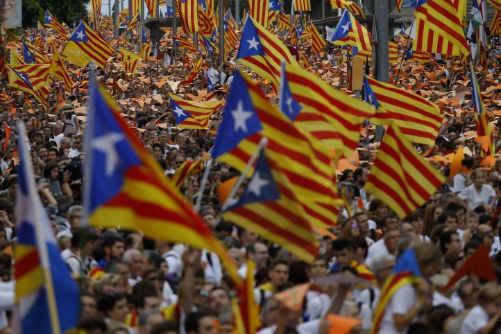 Millones de catalanes salen a las calles