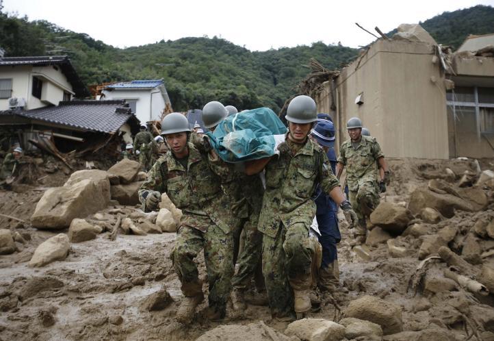 Mueren 18 personas y 13 desaparecen por deslaves en suroeste de Japón
