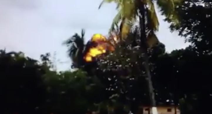 Momento en que explota el avión accidentado de La Habana