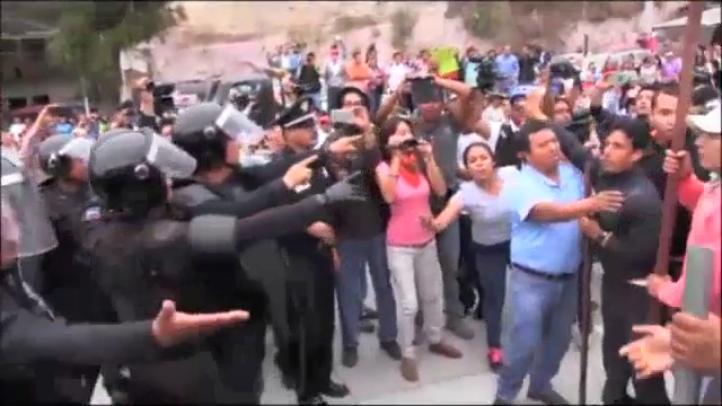 Libera Policía Federal Autopista del Sol tras protesta magisterial