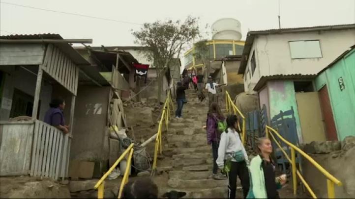 Agencia de turismo ofrece recorridos en barrios marginados de Lima