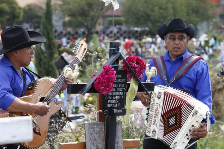 Miles celebran el Día de Muertos