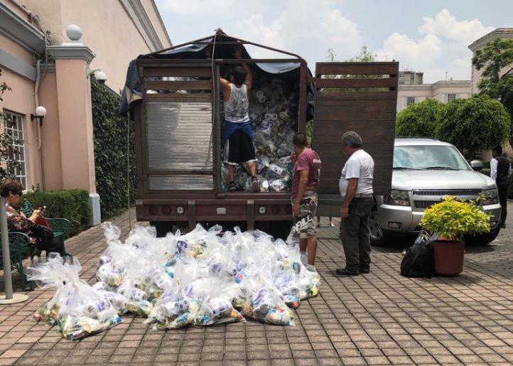 Vecinos denuncian traslado de despensas en El Pedregal del Sur