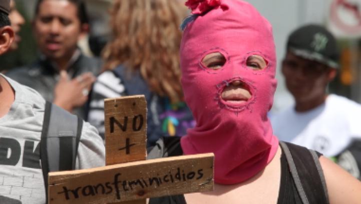 """""""No más transfeminicidios"""", exigen en marcha"""