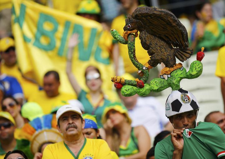 Eufórica afición brasileña y mexicana invade Fortaleza