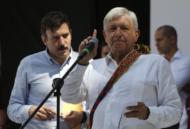 AMLO presenta a un civil como su Jefe de Seguridad