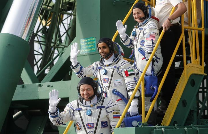 Tres nuevos tripulantes partieron a la EEI