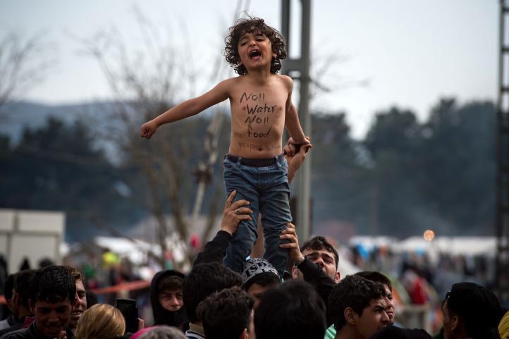 Grecia: Migrantes protestan en Idomeni