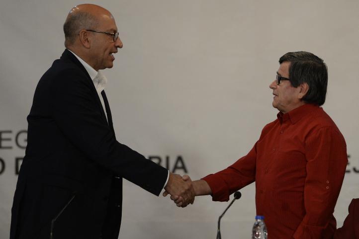 Colombia y el ELN anuncian inicio formal de diálogo de paz
