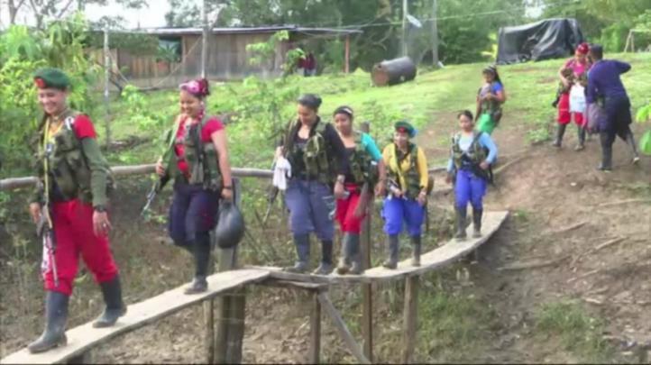 Guerrilleros colombianos se preparan para la paz