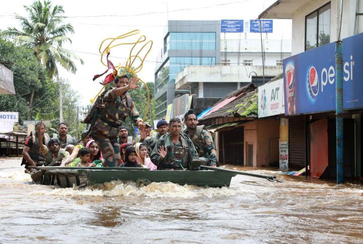 Inundaciones causan 320 muertos en India