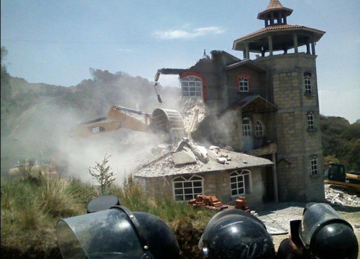 Derriban casa de líder otomí de Xochicuatla