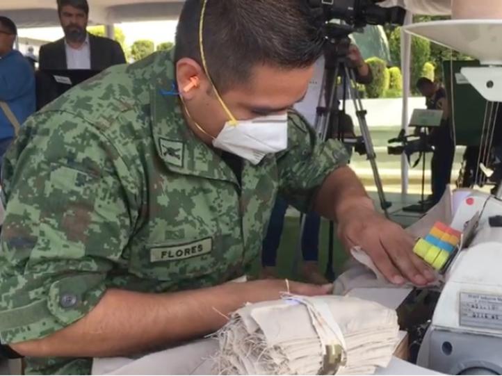 Sedena entrega 149 mil uniformes