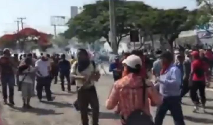 Desalojan a profesores en Chiapas