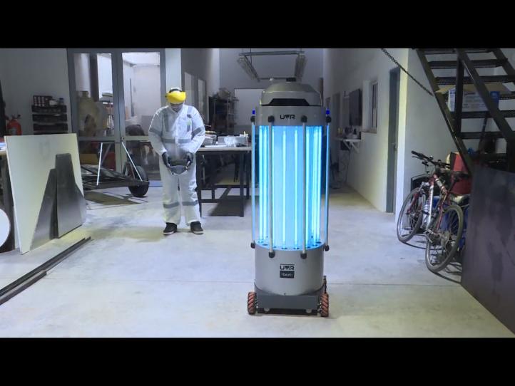 Diseñan robot bactericida contra Covid-19 en Buenos Aires