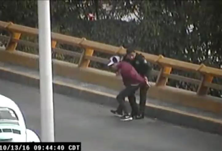 Policías persiguen a ladrones en Circuito Interior