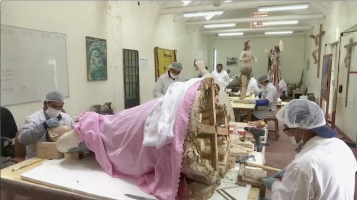 Restauran en Perú obras de arte católicas