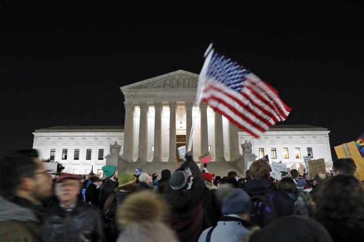 Continúan las protestas en contra del veto migratorio de Trump