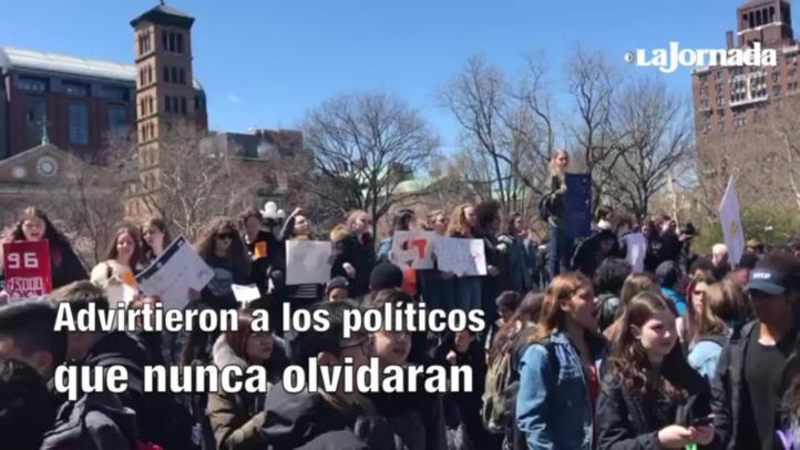 Estudiantes recuerdan masacre de Columbine; exigen control de armas