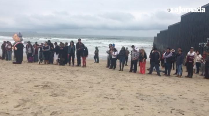Simpatizantes de AMLO realizan acción en Playas de Tijuana