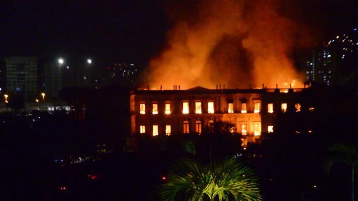 Incendio arrasa el Museo Nacional de Brasil