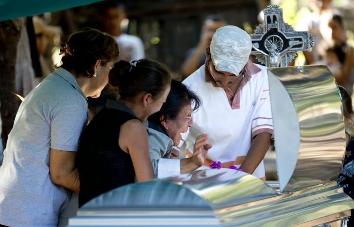 Mueren dos en enfrentamiento entre autodefensas y Ejército en Michoacán