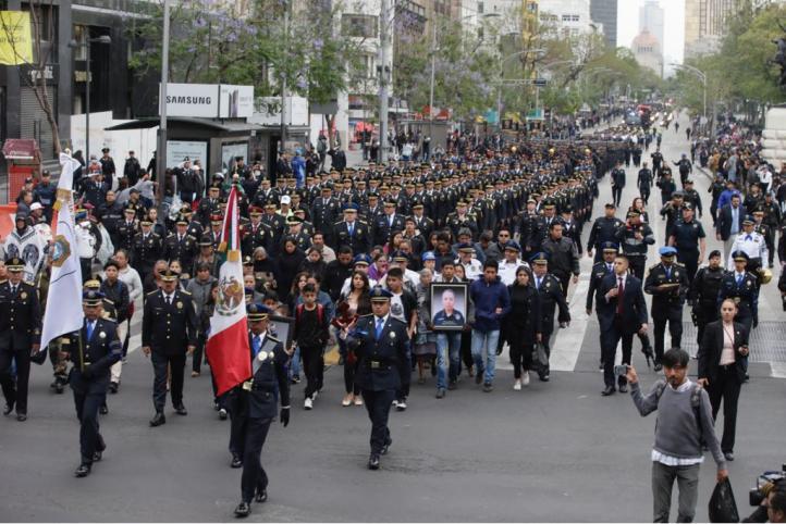 Rinden homenaje a policías caídos en CDMX
