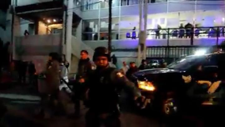 Hidalgo: Policía estatal reprime a trabajadores de la UAEH