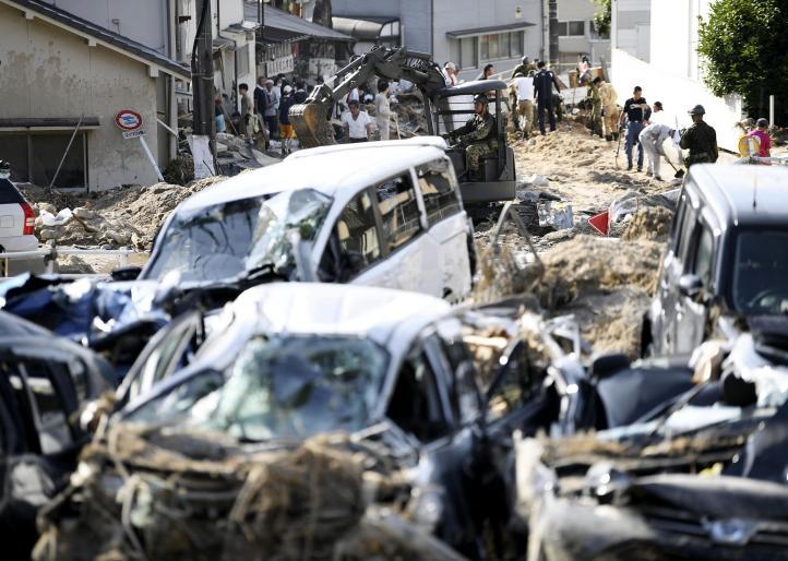 Japón: rescatistas buscan víctimas en el lodo; hay 134 muertos
