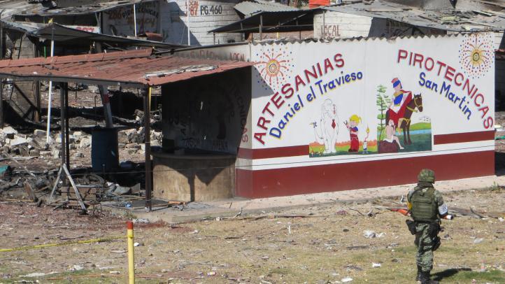 Explosión en mercado de San Pablito deja a miles sin trabajo