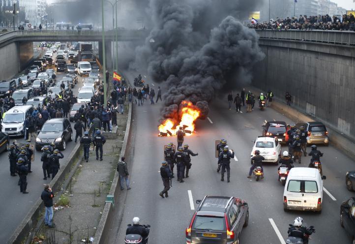 Caos en día de huelgas en Francia