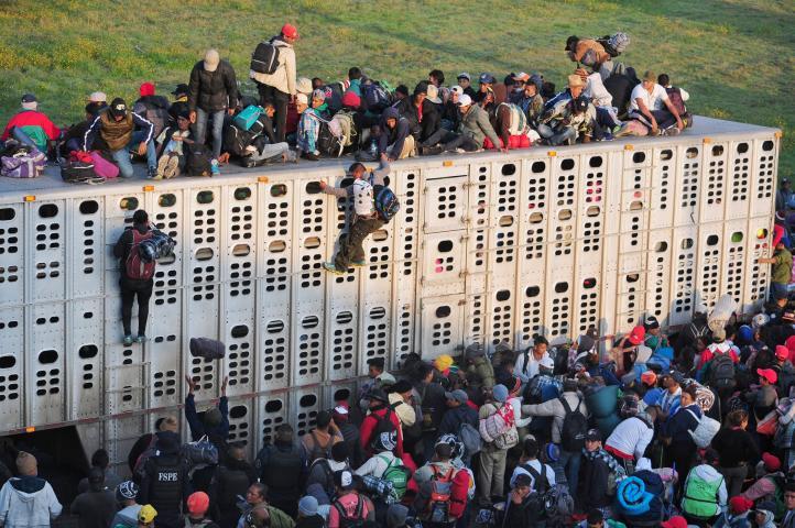 Caravana migrante emprende partida hacia GDL
