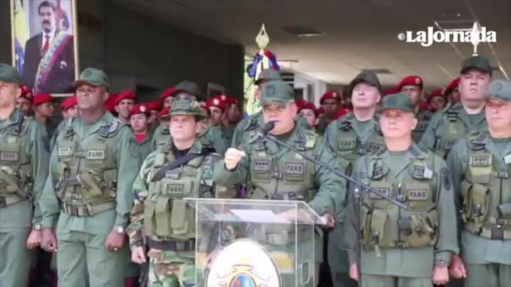 """Fuerza Armada se declara """"firme"""" con Maduro"""