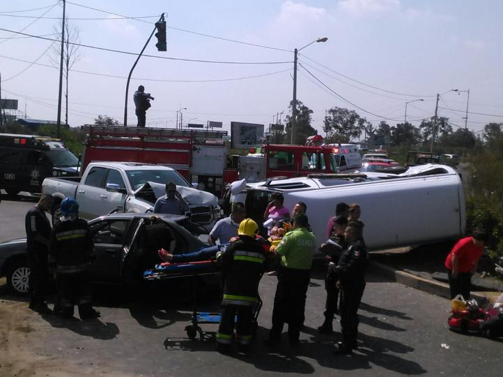 Accidente vehicular en Periférico Oriente