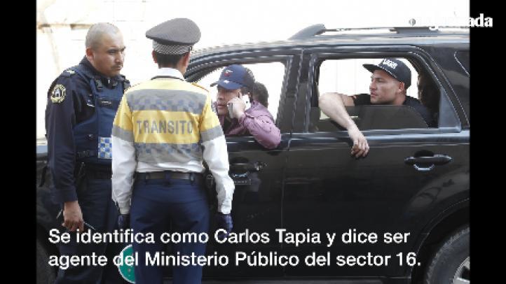 Detienen a conductor que intenta invadir paseo ciclista dominical
