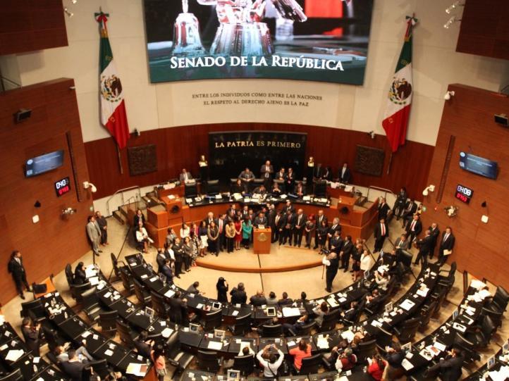 Oposición revienta sesión en el Senado