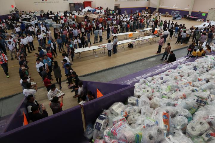 Distribuyen 60 toneladas de víveres en el Istmo de Tehuantepec