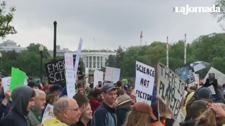 Los científicos salen a las calles, en un hecho inédito