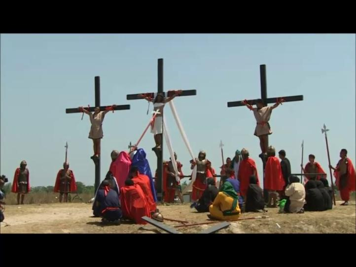 La crucifixión en el país más católico de Asia