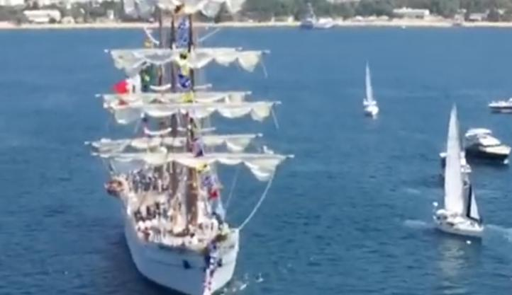 Buque Cuauhtémoc inicia crucero de instrucción
