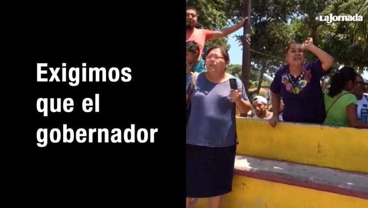 Reclamos a Alejandro Murat y Aurelio Nuño en Juchitán