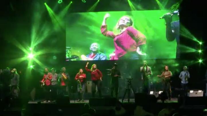 Colombianos adaptan concierto musical para sordos