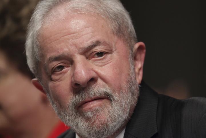 Juez da 9 años de cárcel al expresidente Lula