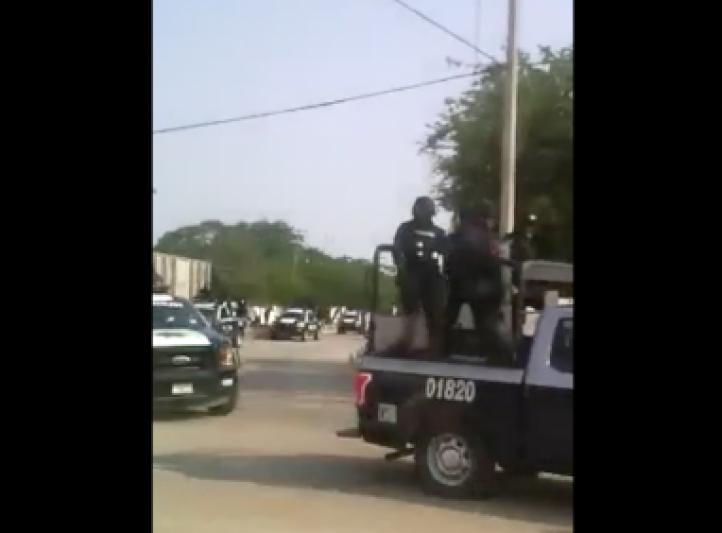 """""""Ni a los narcos tratan así"""": pobladores de Ixtepec a la policía estatal"""