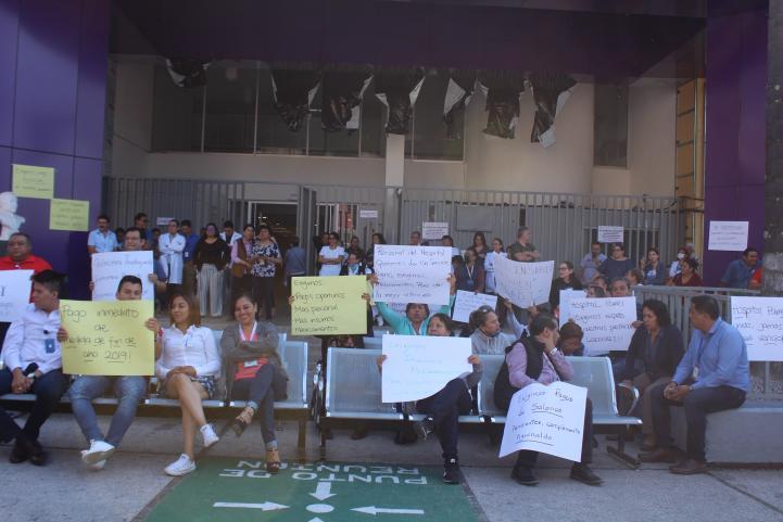 Paran labores y cierran hospitales por adeudos en Morelos
