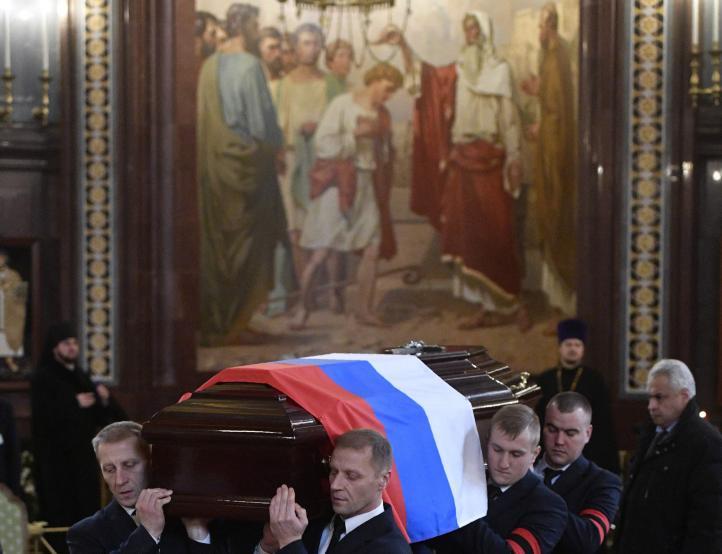 Rinden homenaje al embajador ruso asesinado en Ankara