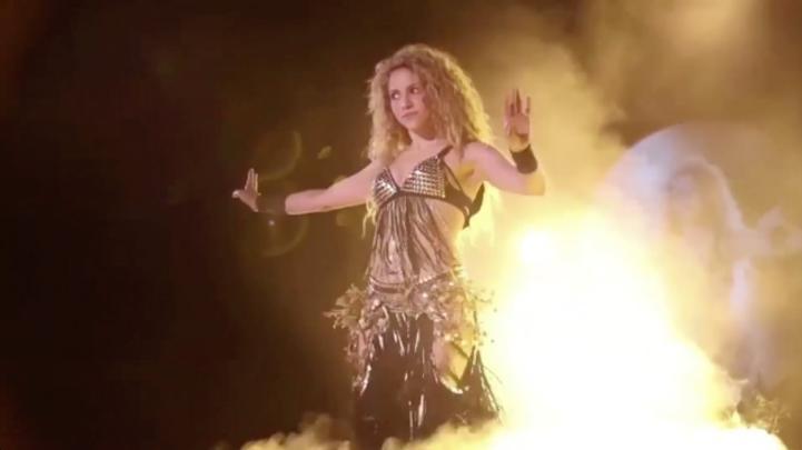 Shakira pospone concierto en Los Ángeles por salud