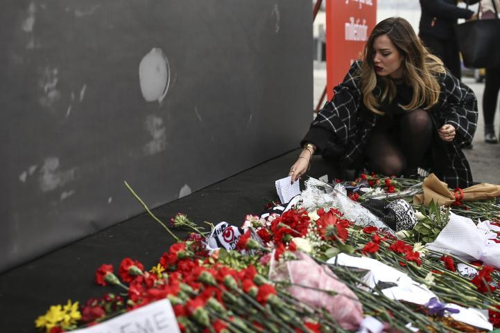 Rinden homenaje a las víctimas del atentado en Turquía